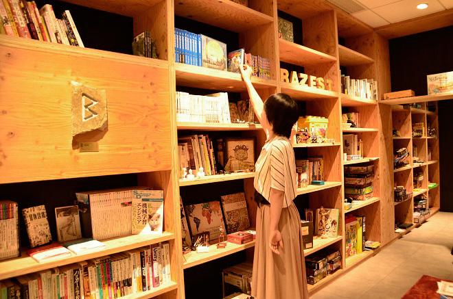 天井まである本棚