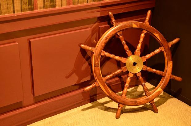 舵のオブジェ